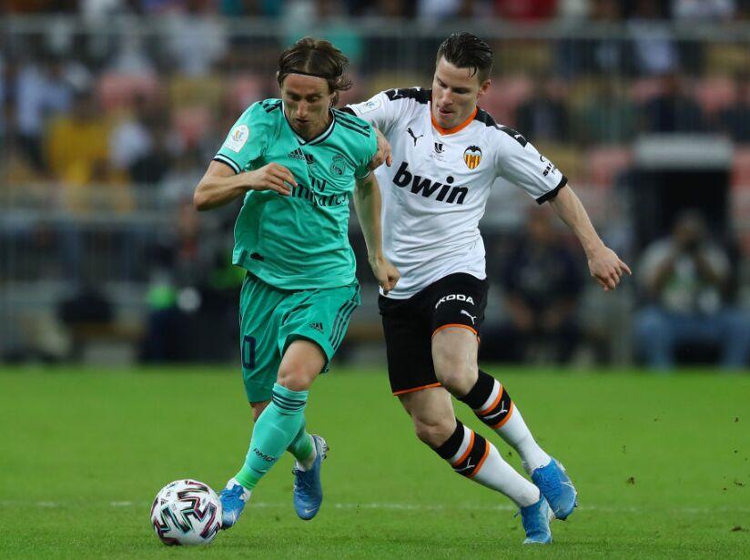 Valencia CF v Real Madrid - Supercopa de Espana: Semi Final