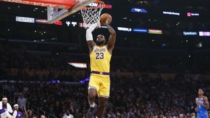 #1 LA Lakers. Kyle Kuzma, LeBron James y Anthony Davis lideran a los Lakers, que ya tienen un récord de 11 ganados y sólo dos partidos perdidos.