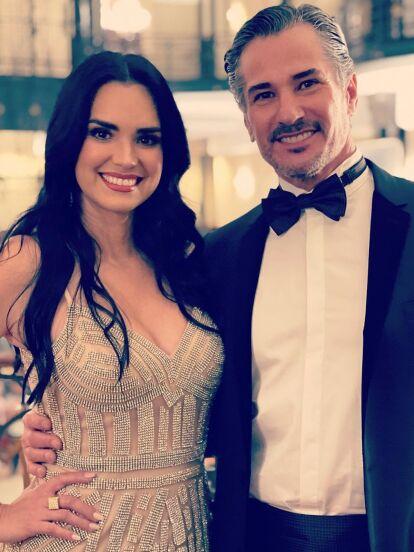 Scarlet Ortiz y Pedro Sicard protagonizan la primera historia de este LUNES 26 DE JULIO, musicalizada por el tema 'TIEMPOS MEJORES' de Yuri.