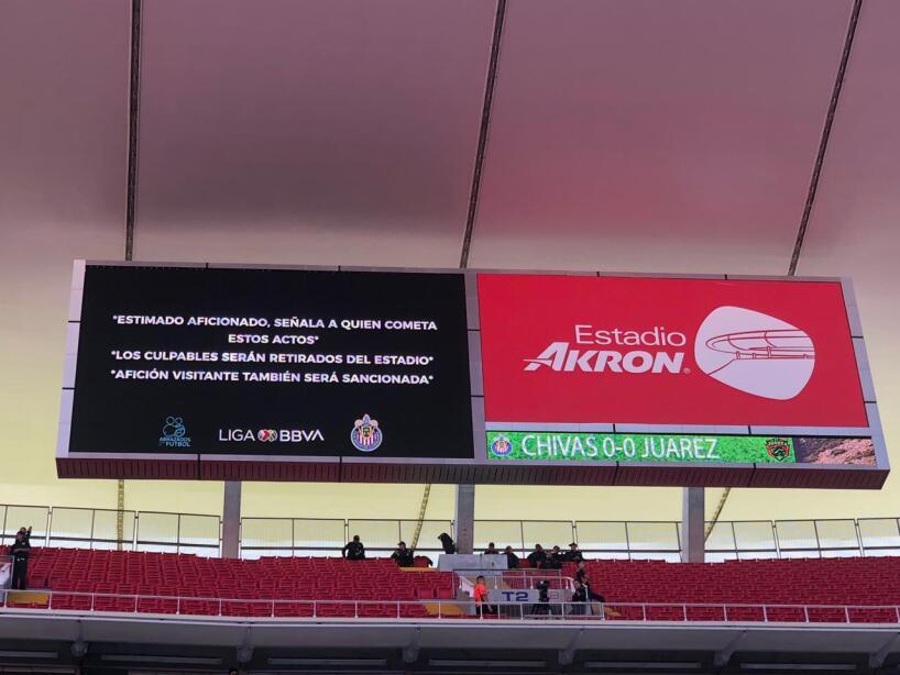 Color Chivas vs Juárez 3.jpeg