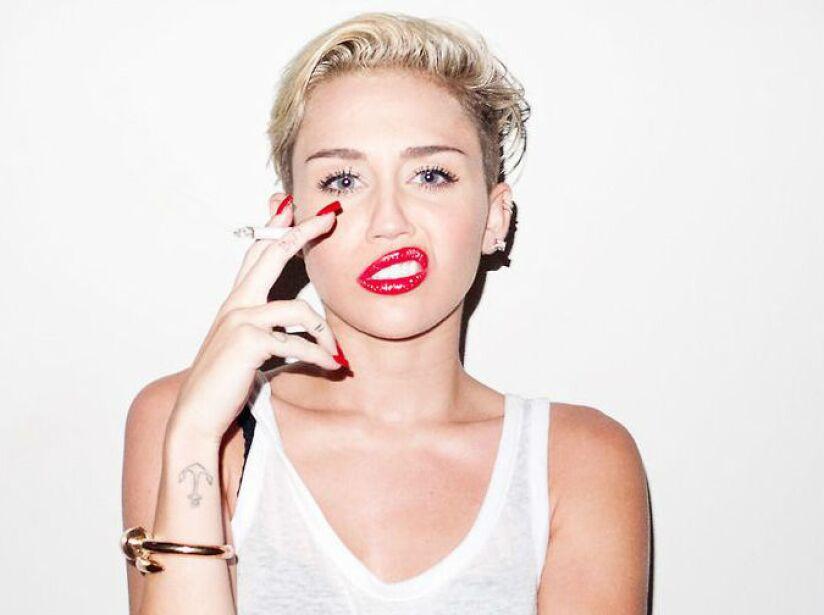 4. Miley Cyrus: ¡Es otra fanática de un famoso local de hamburguesas! ¿Cómo le hará para estar tan delgada?