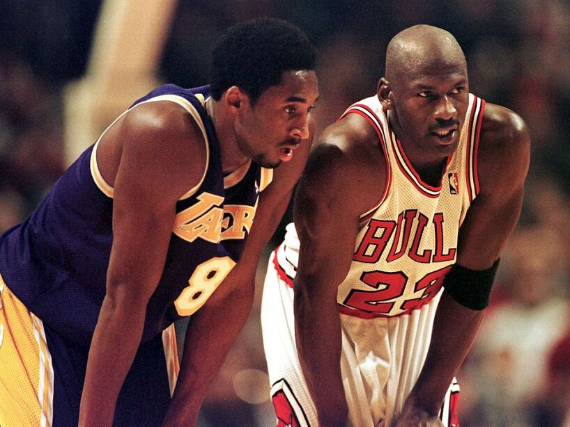 Los Angeles Lakers guard Kobe Bryant(L) and Chicag