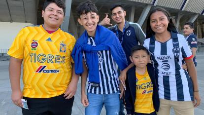 Los aficionados comienzan a llegar al gigante de acero pero ver la final de vuelta entre Monterrey y Tigres.