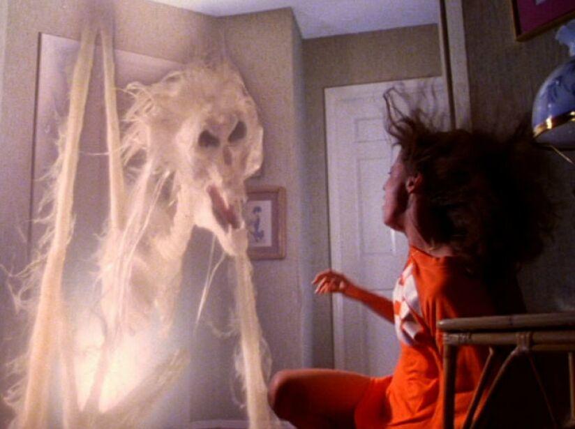 15. Poltergeist: Los difuntos de Juegos Diabólicos (1982), quienes atormentaron a una familia y actores en la vida real.