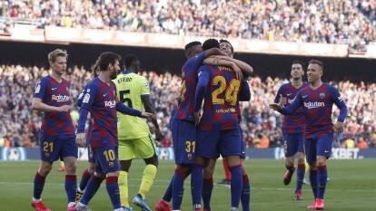 Tras vencer a Getafe 2-1 en la J24, igualaron en puntos al Real Madrid. | Getafe llegó al encuentro como tercer lugar de la liga con 42 unidades, por debajo de los blaugranas que llegaron al cotejo con 49.