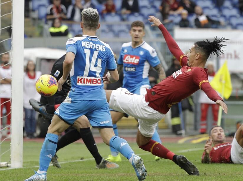 Para Roma anotaron Zaniolo (19') y, de tiro penal, Veretout (55'). Milik (72') descontó para los visitantes. Napoli recibirá el 5 de noviembre a Salzburg en partido de Champions League.