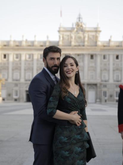 Rubén Sanz y Camila Sodi viajaron a España para grabar el increíble momento en el que 'Rubí' se va a perseguir sus sueños al lado del 'Príncipe Eduardo'.
