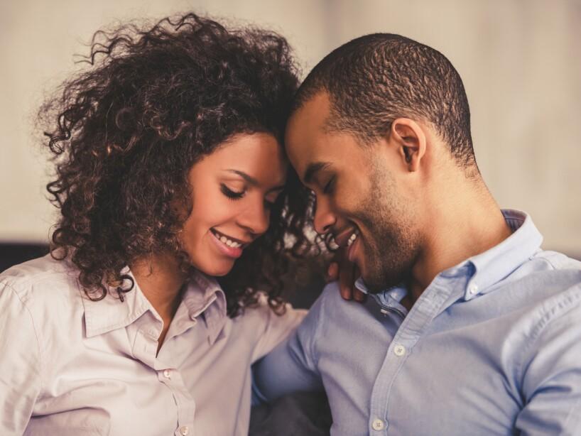 Si estás casada, tu esposo deberá alentarte y sentirse orgulloso de tener una pareja segura de sí misma, capaz de sentirse realizada y satisfecha con lo que hace.