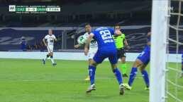 ¡Pedían penalti! Pablo Aguilar tocó el balón con la mano en el área