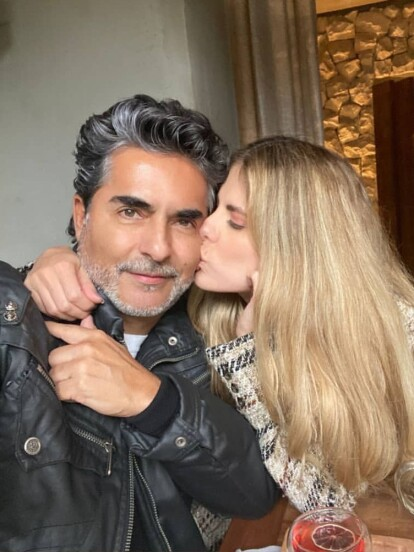 """Raúl """"El Negro"""" Araiza podría estar estrenando un nuevo romance con una guapa actriz colombiana. A continuación, te contamos de quién se trata."""