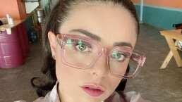 Violeta Isfel podría poner su propia óptica; mira su enorme colección de lentes