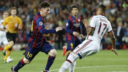 Con una gambeta monumental, Lionel Messi rompió la cadera de Jerome Boateng y lo dejó tirado mientras el mundo vio cómo se desplomaba lentamente mientras Leo le picaba el balón a Neuer con la pierna derecha, la mala dicen.