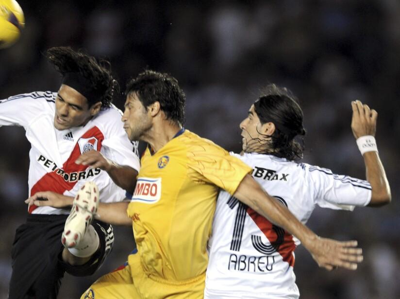 Radamel Falcao Garcia, Sebastian Abreu, Sebastian Dominguez