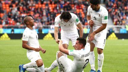 Con gol del defensa José María Giménez, los charrúas se impusieron por la mínima en el regreso de los egipcios a la copa del mundo.