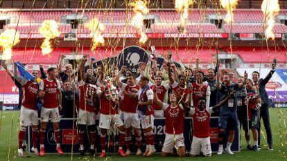 Así festejó Arsenal tras conquistar la FA Cup | Las imágenes de la celebración luego de conseguir un nuevo título en el futbol inglés.