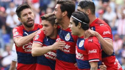 Oswaldo Alanís cobró un penal al minuto 9.