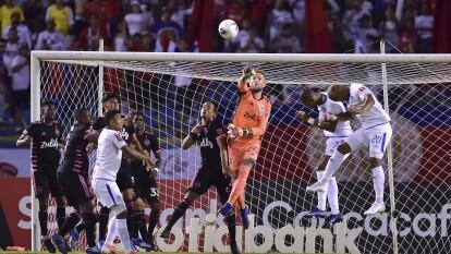 El Club Deportivo Olimpia recibió a Seattle Sounders en partido de los Octavos de Final de ida y el partido finalizó empatado 2-2.