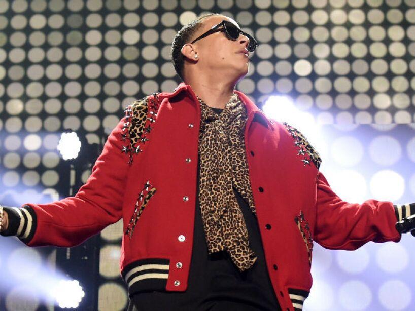5. Daddy Yankee: El cantante tiene letras muy extrañas, donde habla de seres que están del otro lado.