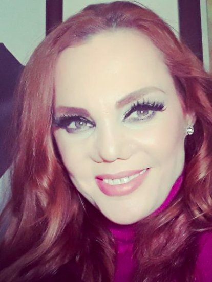 Además de ser una de las modelos mexicanas con más reconocimiento a nivel internacional por haberse consagrado en las pasarelas de las grandes casas de moda en la década de 1990, Carmen Campuzano también es conocida por haber sufrido una drástica transformación en la nariz.