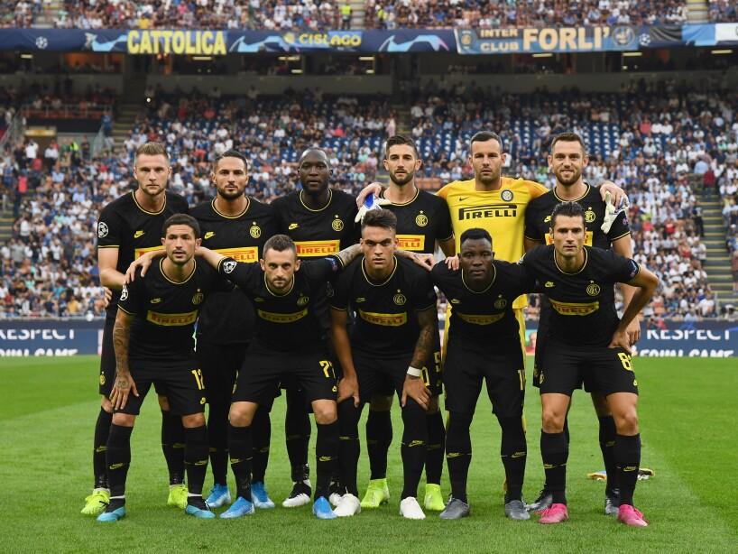 FC Internazionale v Slavia Praha: Group F - UEFA Champions League