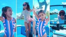 Las hijas de Jacky Bracamontes lucen como niñas grandes tomando el sol mientras dan un paseo en yate con su papá