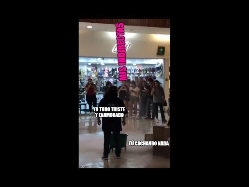 Memes del centro comercial inundado que tocaron música del Titanic