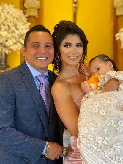 Este miércoles 15 de enero, Edwin Luna y Kimberly Flores celebraron el bautizo de su hija Gianna, evento que mostraron a través de sus respectivas redes sociales.