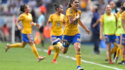Lizbeth Ovalle de Tigres, con tan solo 20 años ya lleva acumulados 24 goles en 54 partidos disputados de la Liga MX Femenil y jugó la pasada final contra las Rayadas, donde quedaron en segundo lugar. Con un lugar en la selección mexicana, definitivamente es jugadora a seguir.