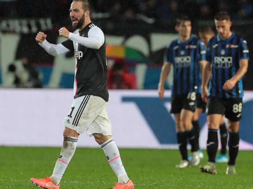 Cristiano Ronaldo no fue convocado al encuentro y los de Maurizio Sarri se llevan el encuentro 3-1 con dos de Higuaín y uno de Dybala.