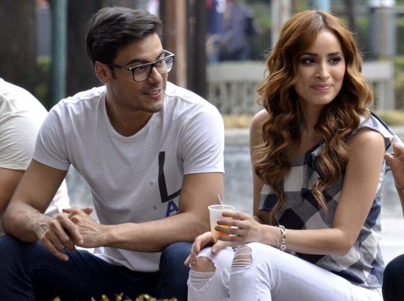 Carlos Rivera y Cynthia Rodríguez mantienen su noviazgo fuera de los reflectores