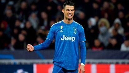 Cristiano Ronaldo jugó un partido muy intenso donde sufrió la marca del Lyon; no pudo marcar. CR7 se va en blanco y con la misión de remontar un gol en casa.