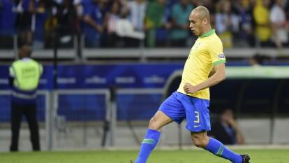 Joao Miranda, seleccionado brasileño, dejó al Inter de Milán para firmar gratis por el Jiangsu Suning.