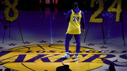 Así se vivió el emotivo homenaje a Kobe y Gianna Bryant en el regreso de Los Angeles Lakers a la duela.