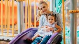 Masha, hija de Ana Layevska, ya aprendió a decir unas palabras en ruso