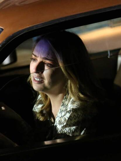 Lupita debe pasar la noche en su auto.