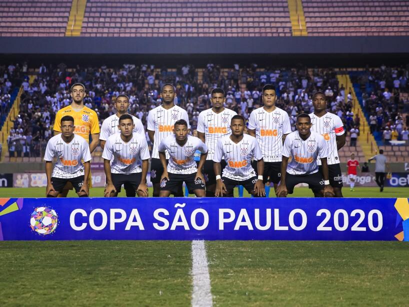 Internacional v Corinthians - Semi-Final 1 Copa Sao Paulo de Futebol Junior