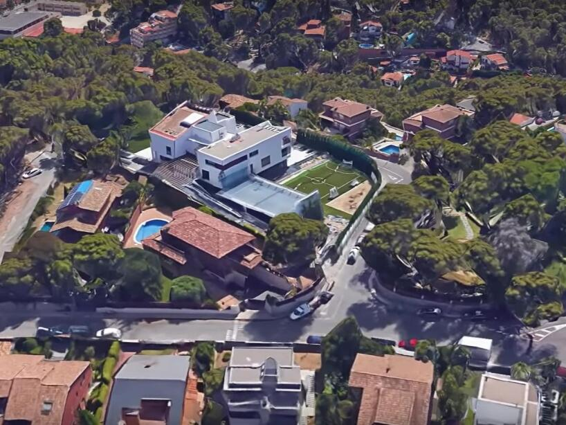 vista aerea casa messi.jpg
