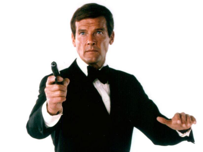 5. Roger Moore (1973,1985): Estuvo a punto de ser el primer 007, pero compromisos laborales no se lo permitieron.