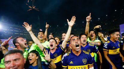 Boca Juniors le ganó una liga épica a River Plate, en el último minuto con golazo de Tévez, y así festejó el Xeneize.