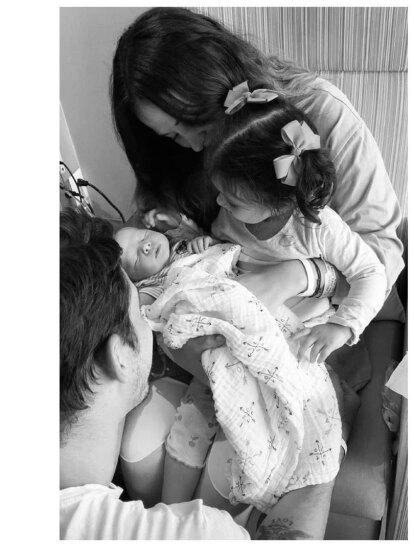 Zuria Vega anunció en Instagram que su hijo Luka nació el 20 de mayo. Esta es la primera foto que la actriz compartió de él.
