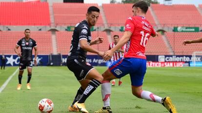 Atlético San Luis no se da por vencido, y con dos cabezazos consiguen una importante voltereta que les da los tres puntos.