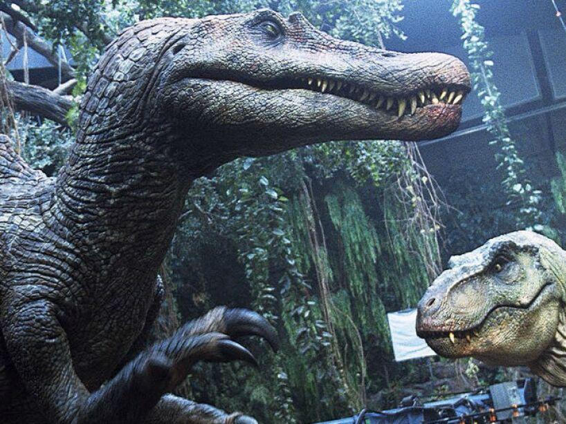 13. El rugido del T.Rex se hizo mezclando los sonidos de un tigre, cocodrilo y una cría de elefante, por otro lado su respiración es la de una ballena.