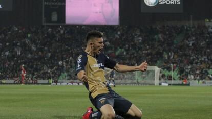 El defensor se elevó por los aires y remató con la testa para decretar el 1-1 (70') ante Santos en el TSM.