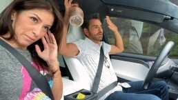 """Eugenio Derbez presume que su automóvil se maneja solo y le saca un susto a su esposa: """"Nos íbamos a embarrar"""""""