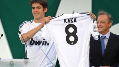Uno de los fichajes más desilusionantes fue el de Kaká; ocurrió en el verano del 2009 cuando también llegaron Cristiano Ronaldo y Benzema.
