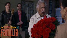 ¡Eugenio le lleva serenata a Blanca!