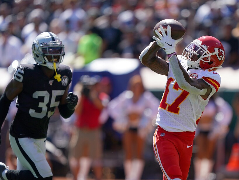 Kansas City Chiefs v Oakland Raiders