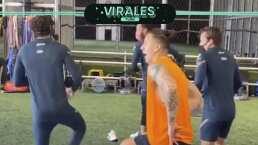América 'entrena' bailando Caballo Dorado