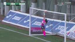 ¡Gran atajada! Karla Morales se luce y evita el gol de León