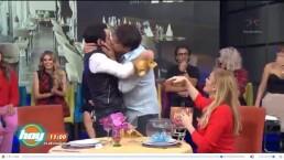 ¡Tremendo beso entre El Burro Van Rankin y José Eduardo Derbez!